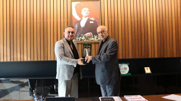 Hendek Kaymakamımız Halil İbrahim ACIR, S2OSB Yönetim Kurulu Başkanı Şükrü BODUR'u ziyaret etti.
